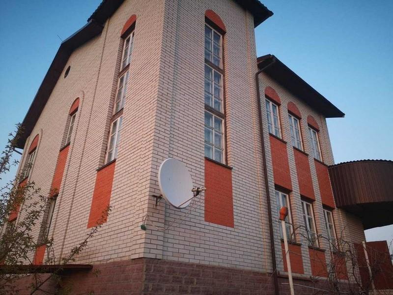Будинок 300 м2 на 50 сотках Білогородка