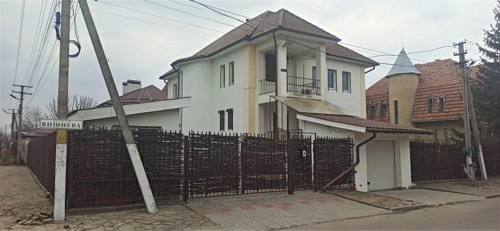 Елітний будинок 350 м2 в центрі Петропавлівської Борщагівці