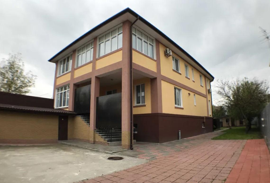 Будинок з ремонтом 400 м2 в селі Чайки