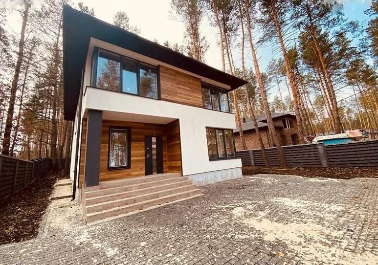 Двоповерховий дім з терасою і ділянкою на 8 соток, 234 м2, район Конча-Заспа, Київ