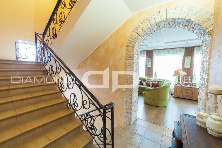 Просторий будинок з ремонтом та меблями 280 м2 Крюківщина